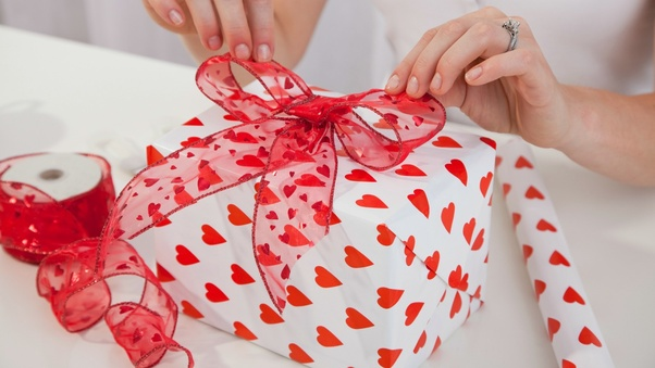 What Is The Best Gift To Give A Boyfriend On Valentines Day Quora