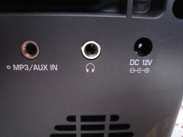 Does XLR deliver better audio quality than Aux or USB? - Quora