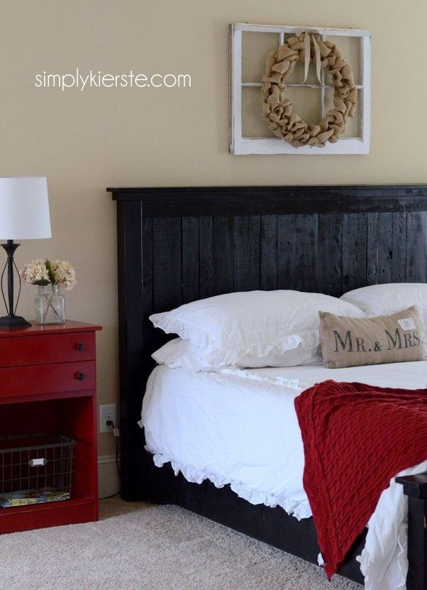 How To Decorate A Bedroom With Black, White And Red