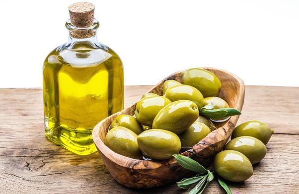 जैतून का तेल बालों में लगाने के फायदे क्या हैं? - Quora