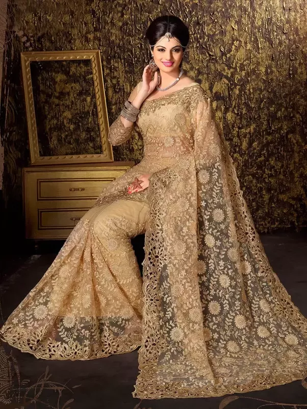What should I wear to a traditional Indian wedding? - Quora