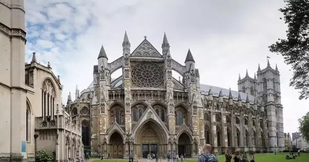 For More On How Gothic Architecture Developed From The Earlier Romanesque See This Quora Users Answer To Whats Difference Between And