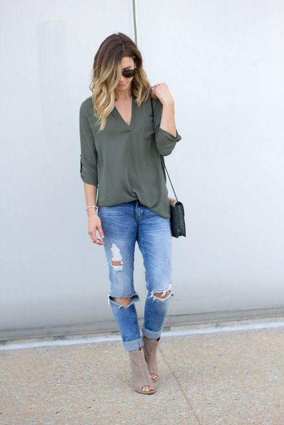 The Reason Is That Army Green A Neutral Color And If Clubbed With Darker Tone Of Blue Might Give Dull Feel To Dressing