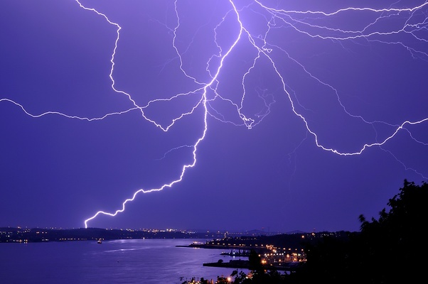 Who What Why Happens When Lightning Hits The Sea