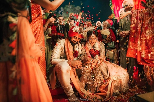 Weddingdoers Have Availability Of Candid Photographers, Pre Wedding  Photoshoot Specialists And Bridal Portrait Experts.