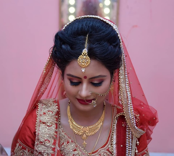 Priyanka Paul is a one of the best bridal makeup artist in kolkata. Priyanka Paul is a owner of Priyankas beauty box to provides one of best makeup services ...