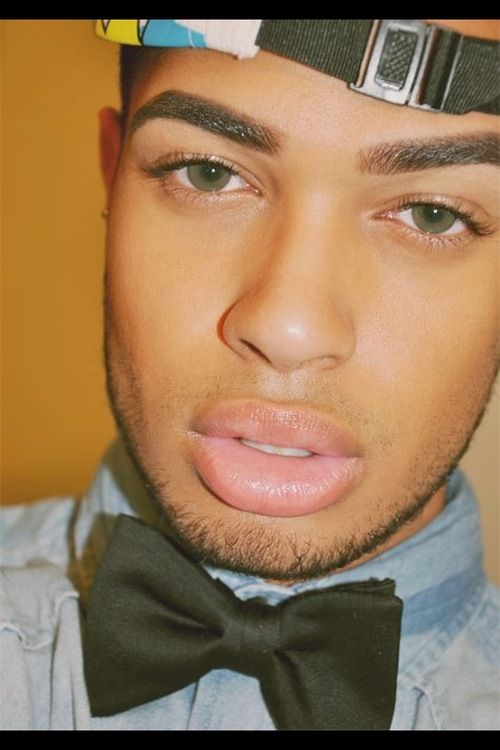 Are there any natural ways to make mens lips thinner? - Quora - photo#15