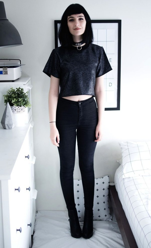 What Goes With Black Jeans 15