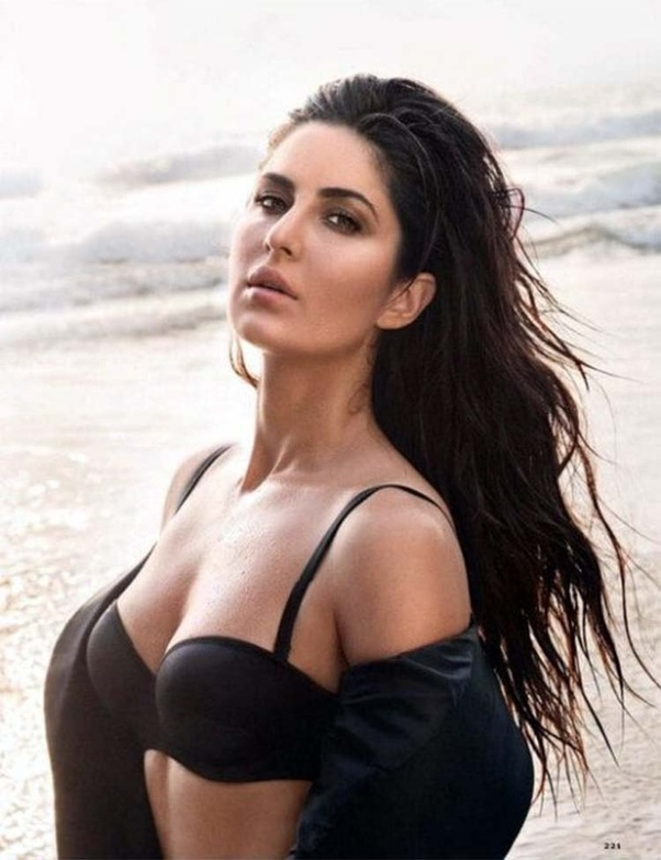 Katrina kaif showing boobs time