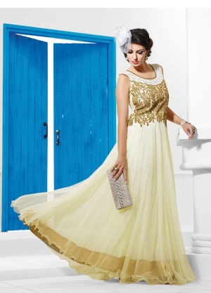 What dress can I wear for an Indian wedding? - Quora
