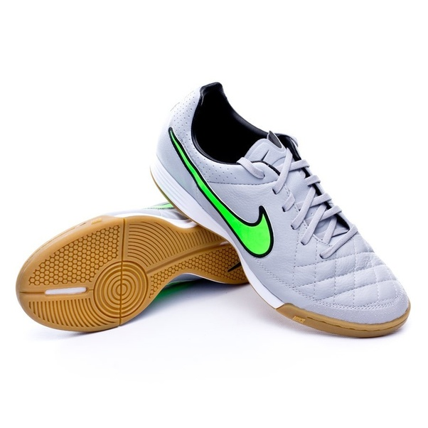 stile limitato confrontare il prezzo volume grande Can indoor soccer shoes be worn as a sneaker? If so, what is a ...