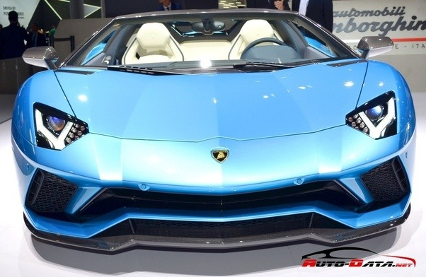 What is the top speed of the Lamborghini Aventador? - Quora