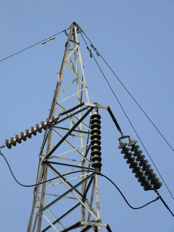 Why there is no direct connection between electric lines and metal ...