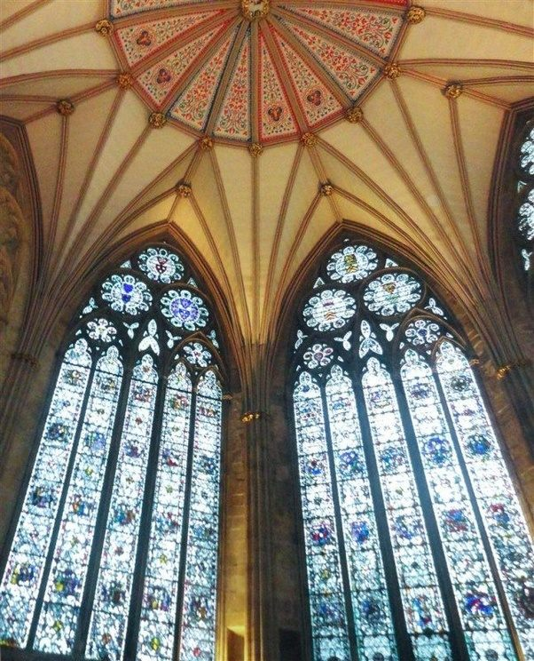 Whats The Difference Between Gothic And Romanesque Architectures