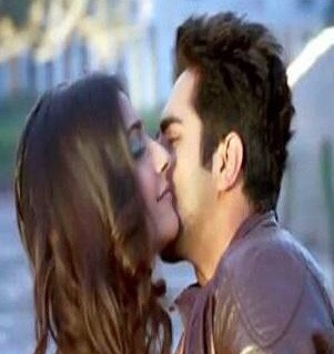 Which Bollywood actresses have given onscreen kiss? - Quora