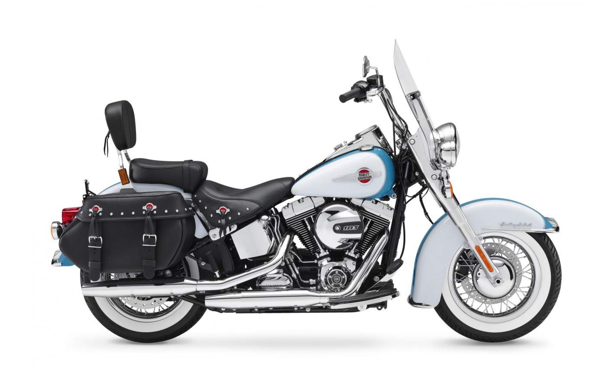 What are some must have Harley Davidson accessories for