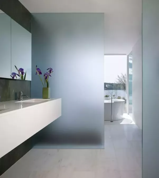 Why Hotels Have Glass Wall Bathrooms Quora - Pictures for bathrooms walls
