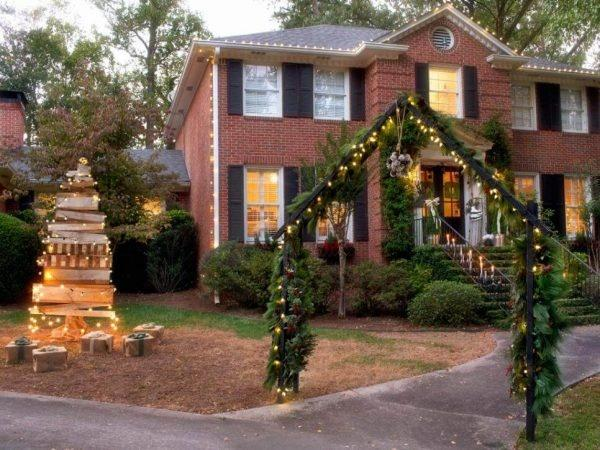 you can check out these ideas about decorating your house on christmas and also outdoor decoration is important for some innovativeness you can check out