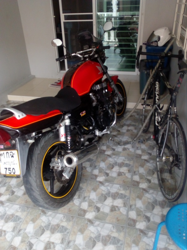 Is it good for all motorcycles to be started with the choke