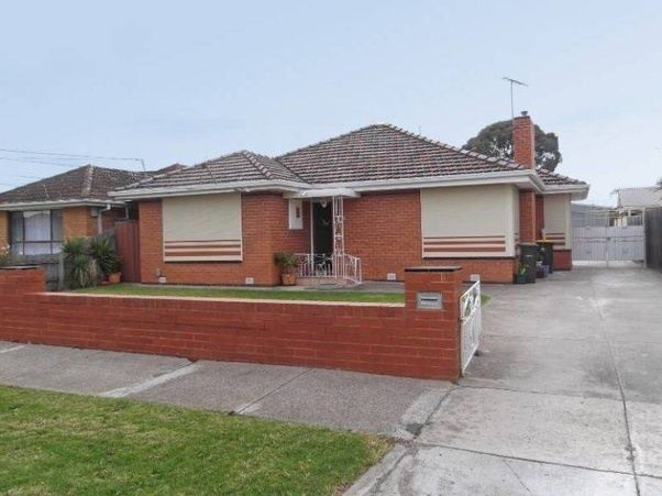 What does the typical Australian house look like?