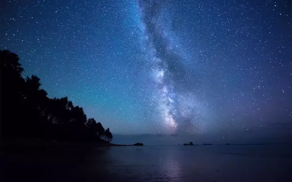 What's that long cloud in a clear night sky? - Quora