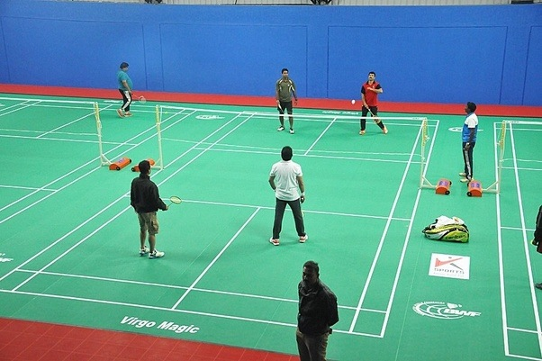 how to play a smash in badminton