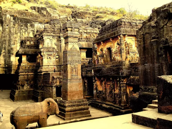 ellora caves history in hindi