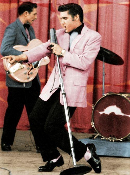 What did Elvis Presley like to wear and why? - Quora
