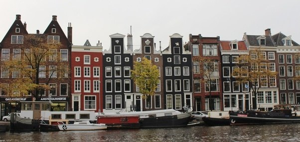 Initially Most Gables Were Built With A Dutch Interpretation Of Gothic Style Later Renaissance And Baroque Styles