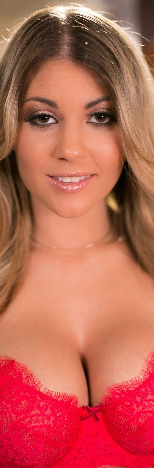 What are some jaw-dropping pictures of Kayla Kayden? - Quora