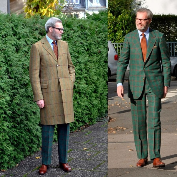 What colour tie is suitable with a dark green suit? - Quora