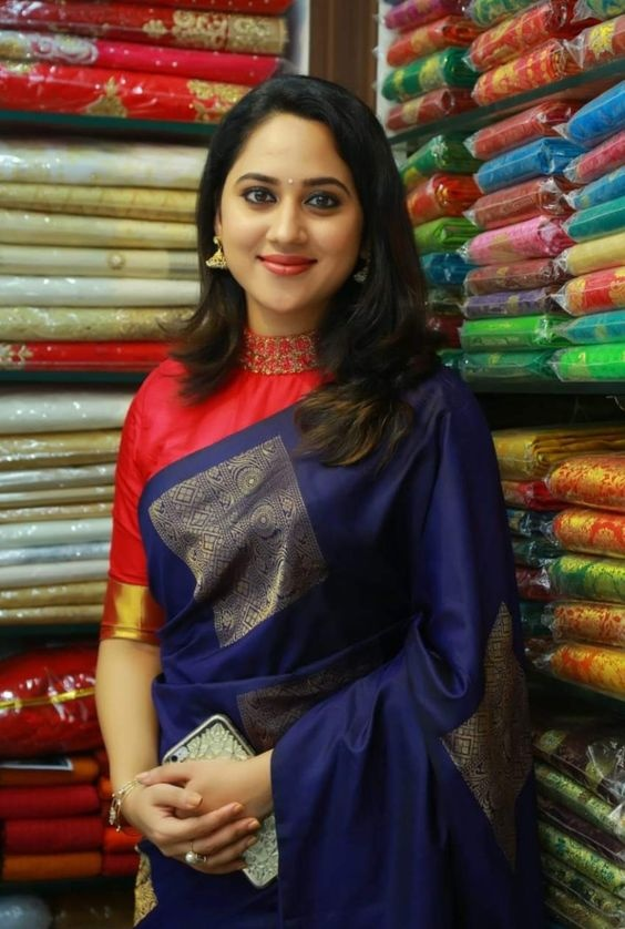 c82cbab00 What are the blouse designs for a silk saree? - Quora
