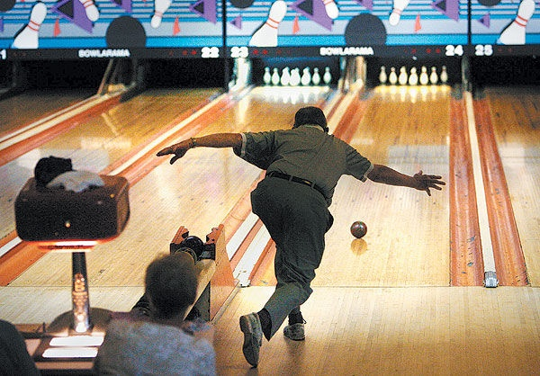 Are there bowling alleys in Europe? If so, are they as popular as