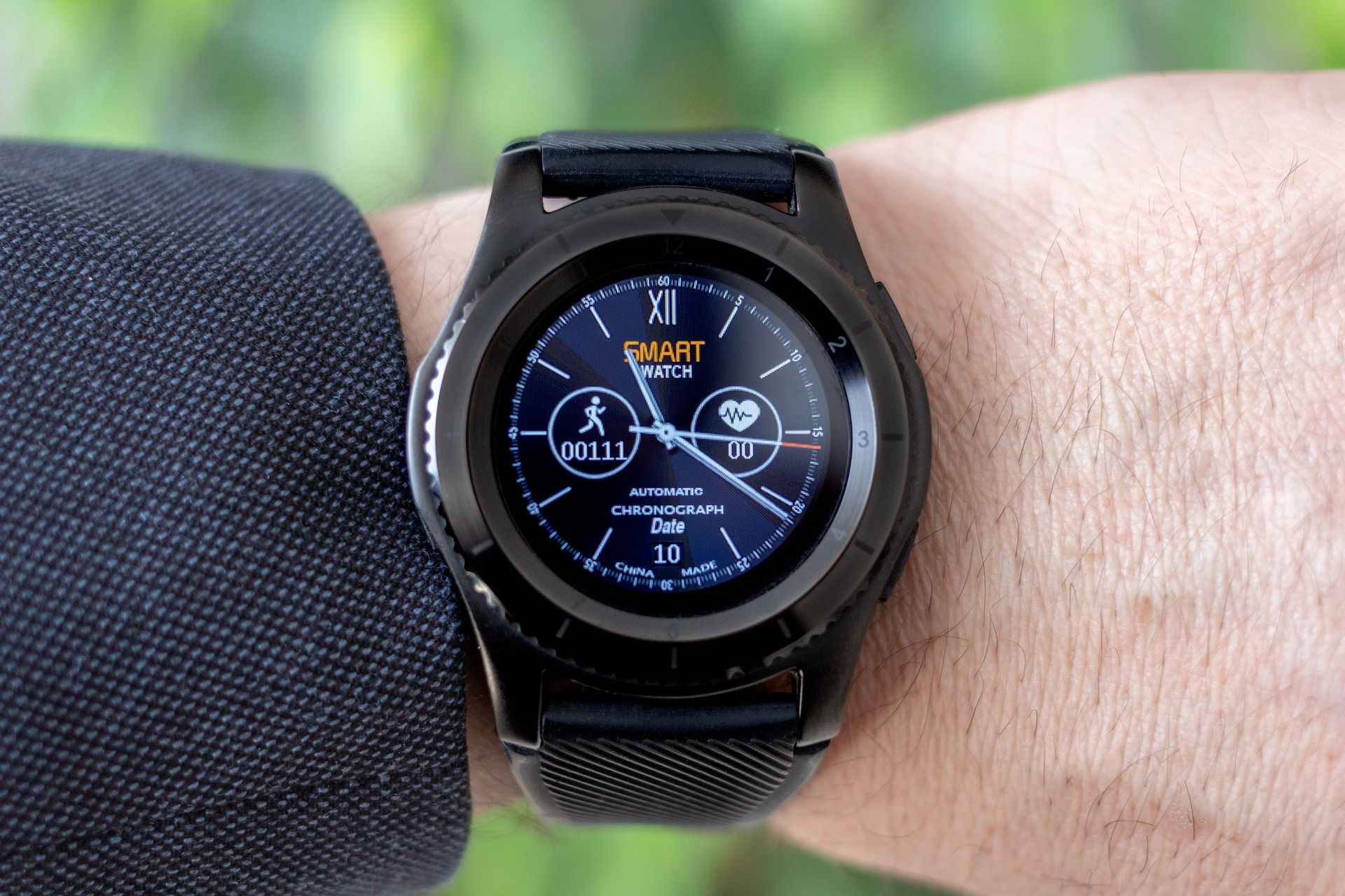 666da167740 ... so what about the smartwatches that give you more access to your  contacts. Today In this list you will find Best Smartwatches under 200  dollars.