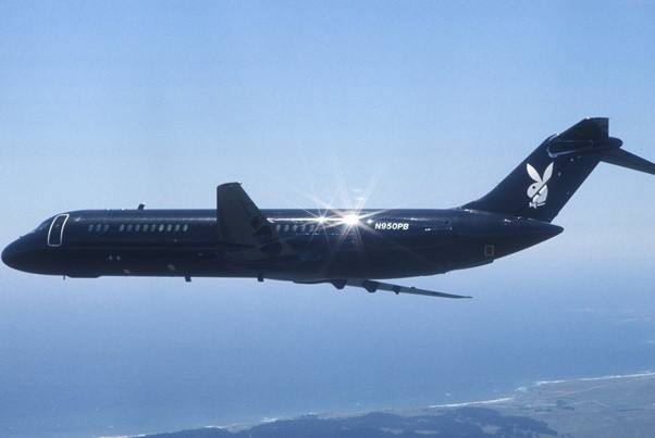 Are airliners never painted black because of heat