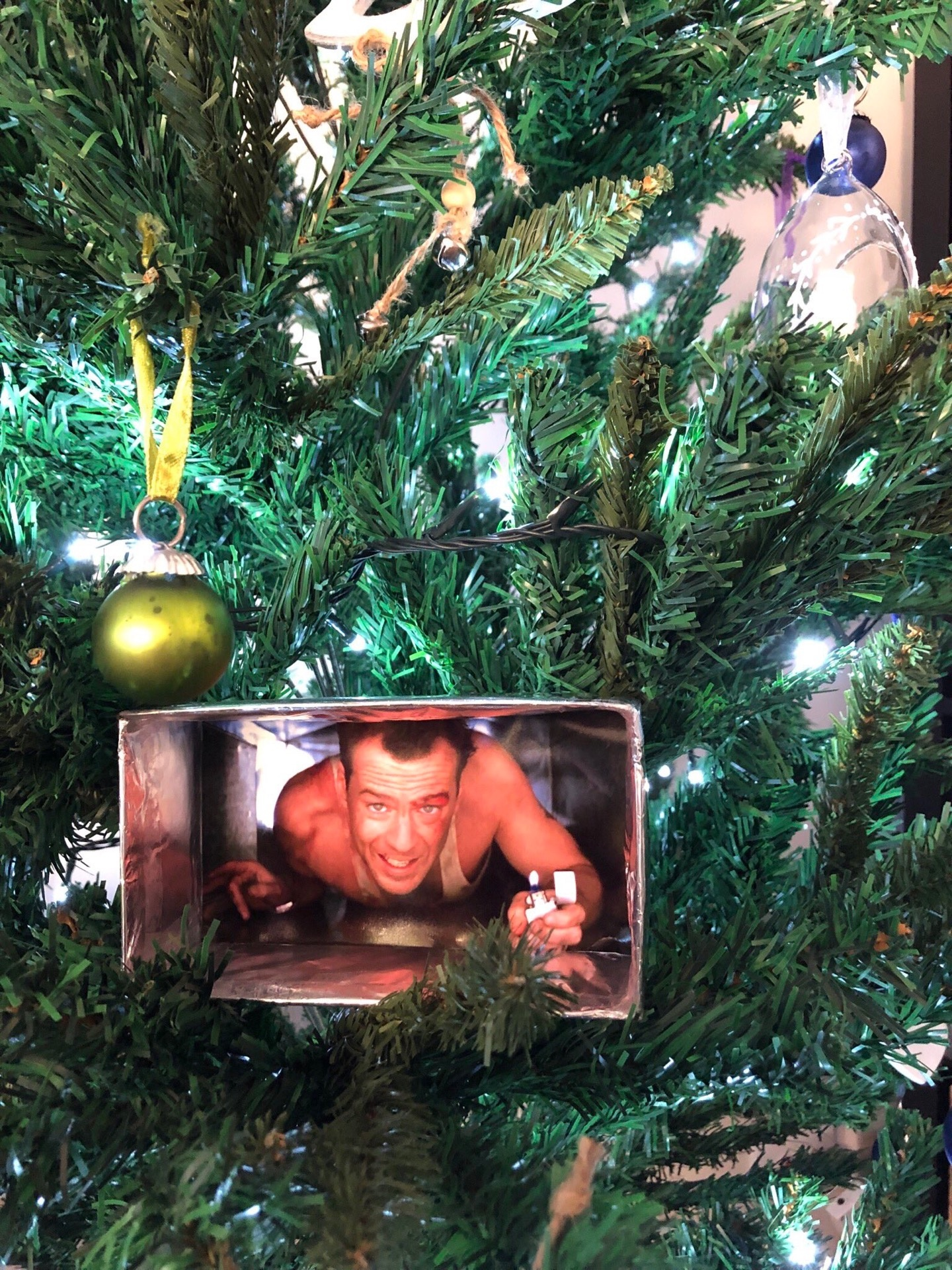 Christmas Iconography.Is Die Hard A Christmas Movie Quora