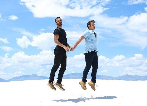 Gay dating websites wiki