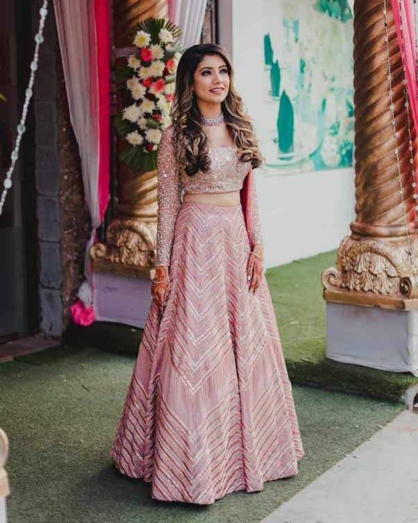 What Are Fashionable Dresses Or Outfits For The Groom S Sister To Wear In A Hindu Wedding Quora