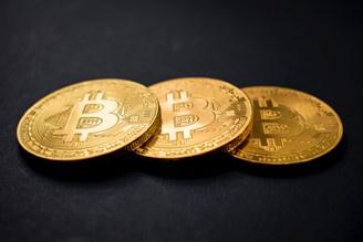 como o bitcoin me fará ganhar dinheiro promalbase criptomoeda