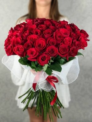 flowers from Flower Delivery Sylmar with reasonable price,Either you can buy bouquets or order them with chocolates and balloons. They provide 24/7 services ...