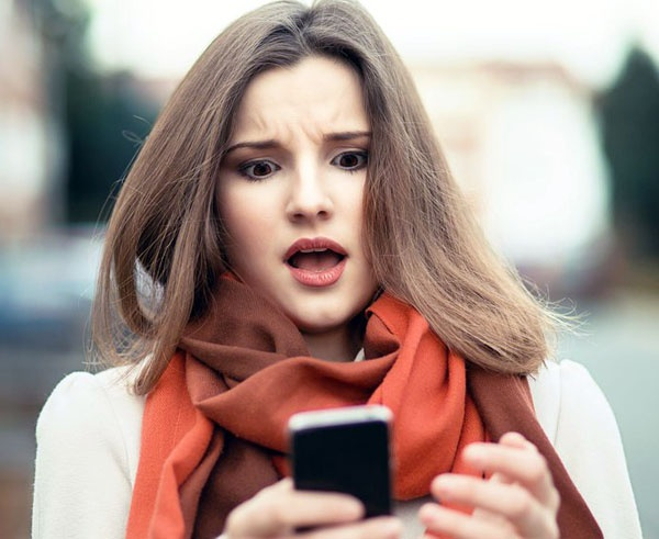 Is my secretive with phone girlfriend her 20 Cell