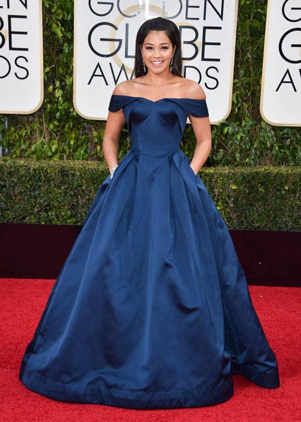 da8ffda3da466 What color accessories look good with a navy blue dress? - Quora