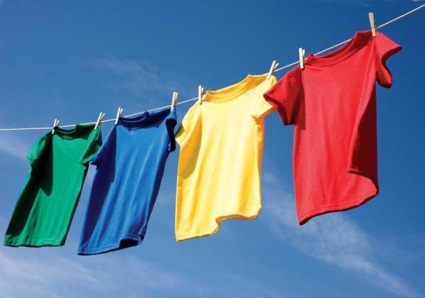 How to remove colour stains on clothes by hand washing