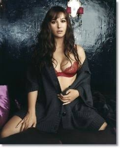Monica Bellucci Oozes Class And Oomph In Equal Measures