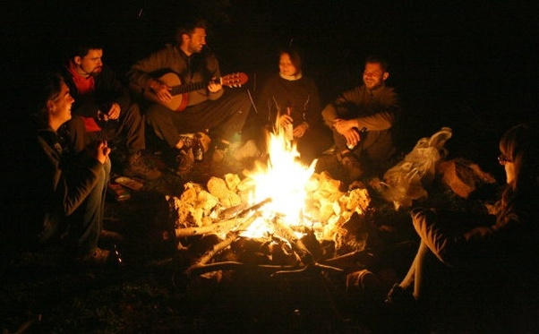 What songs on guitar can I play near a bonfire? - Quora