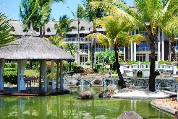 With Luxurious Outdoor Spa This Luxury Hotel In Mauritius Located Belle Mare Is Ideal For Honeymoon And Family