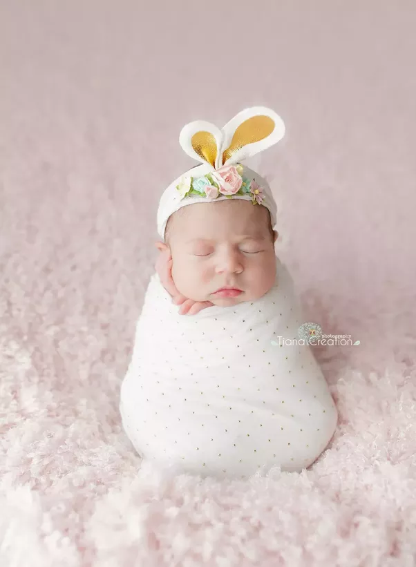 To create amazing photos of your newborn theres often a lot more time in editing because its sometimes very hard to even get one perfect shotas babues