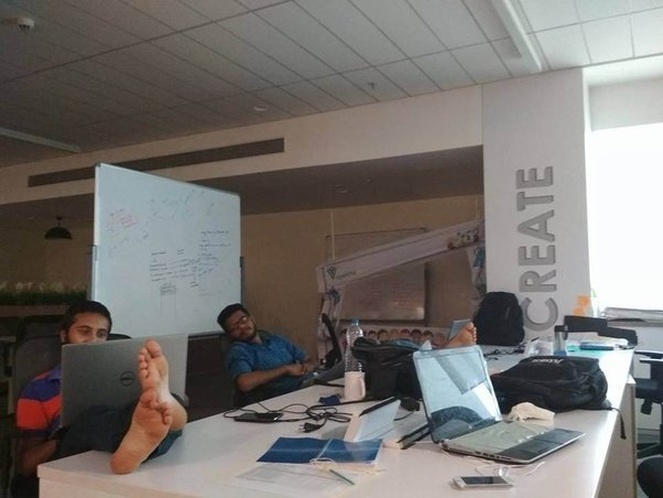 cool office spaces. This Space Looks Quite Familiar , Ah! Of Course Is Our Office, Headquarters, Second Home. The Working Table Vidyaroha, Cool Office Spaces