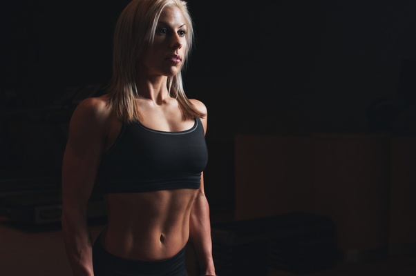 What is the best way/food to eat for a woman to build lean muscle