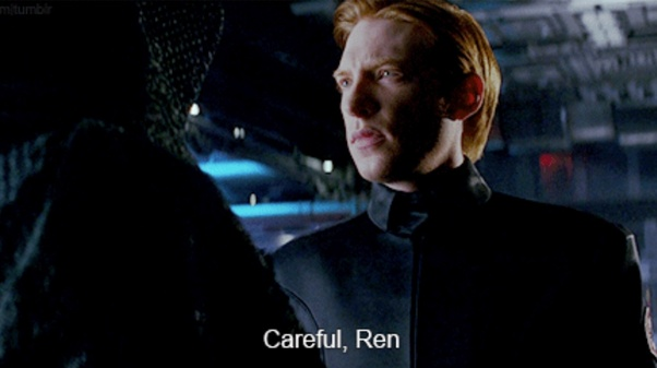 Why Does General Hux In The Last Jedi Look Worn Down And Tired Compared To Being Clean And Kept In The Force Awakens Is There An Out Of Universe Explanation Or Was